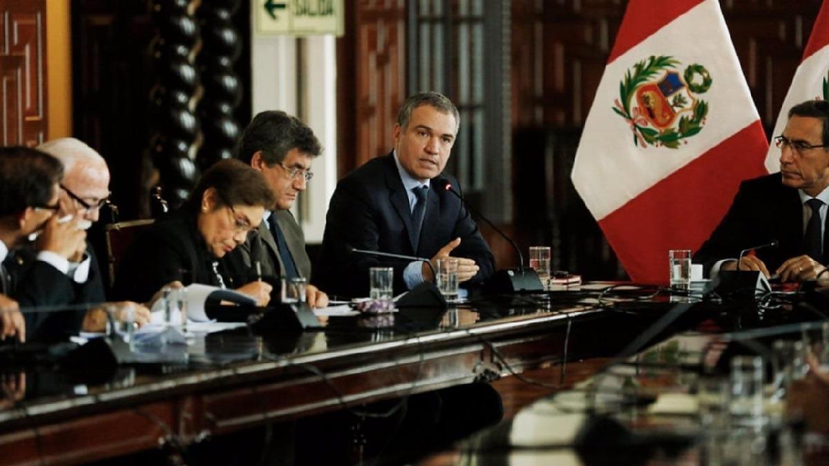 El presidente Vizcarra y el primer ministro se reunieron con los voceros de las bancadas del Congreso.