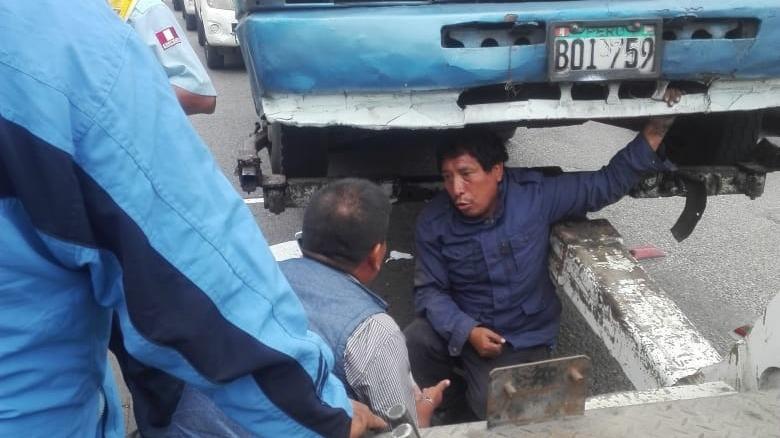 Los transportistas fueron intervenidos en la avenida Benavides.