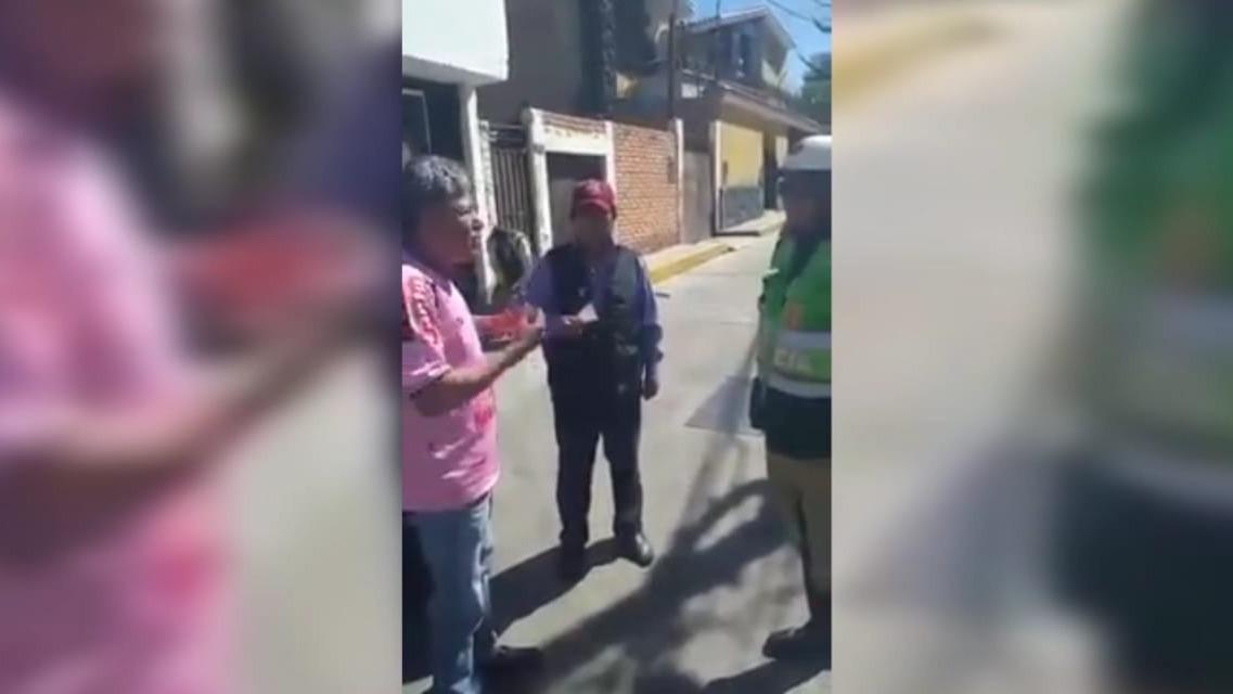 Taxista de Arequipa hicieron una simulación de un operativo de tránsito.