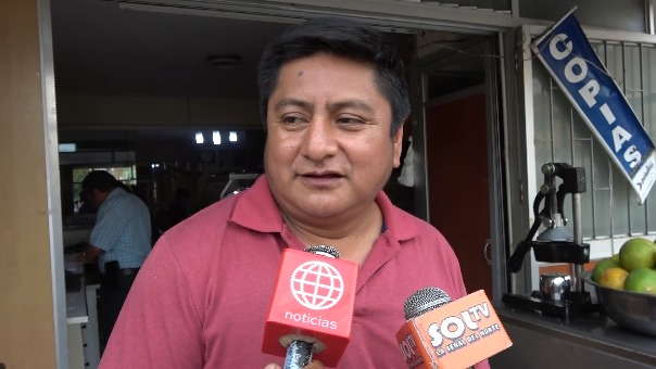 Marco Antonio Salinas declaró quehabía recibido la visita de los dos trabajadores ediles en su local. Ahora, pedirá garantías para su vida por temor a represalias.