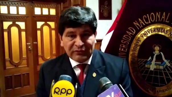 El rector de la Unsa, Rohel Sánchez, defendió su decisión de excluir a la Facultad de Derecho.