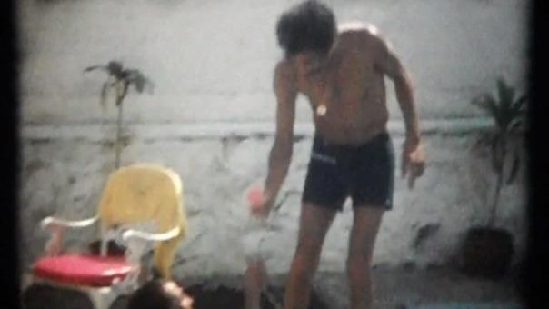 Imágenes inéditas de la vida de Ramón Valdés (incluye un viaje al Perú) en el tráiler del documental