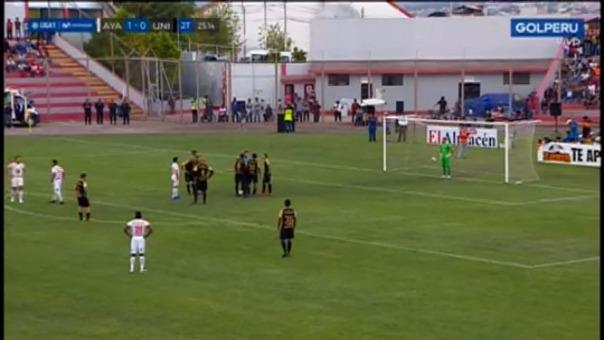 Universitario de Deportes ante Ayacucho FC.