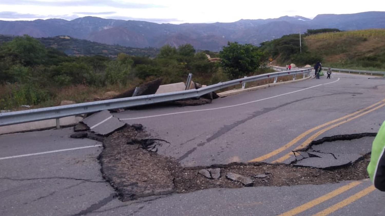 El temblor duró 127 segundos y en Lima obligó a la población a salir de sus casas en medio de la madrugada y bajo lluvia.