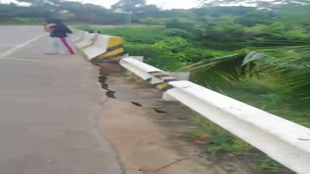 Esta es la situación del puente Shimbillo, ubicado en la vía que une Yurimaguas - Tarapoto en la región, precisamente en el distrito de  Pongo de Caynarachi.