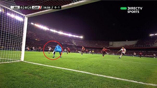 River Plate casi anota en el primer tiempo ante Atlético Paranaense.