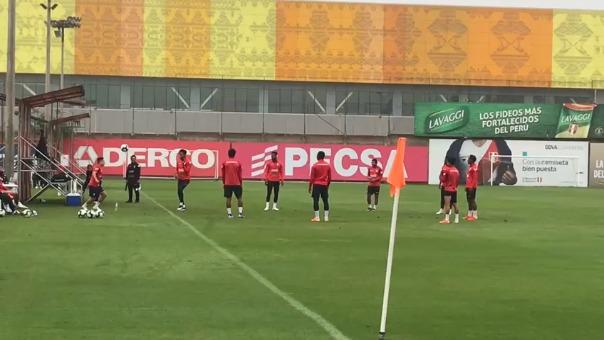 Los jugadores de la Selección Peruana entrenan en el día que se conocerá la lista oficial.