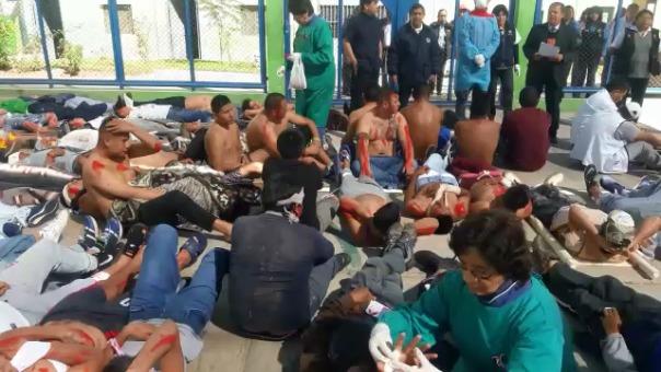 Simulacro de sismo en el penal de varones de Socabaya.