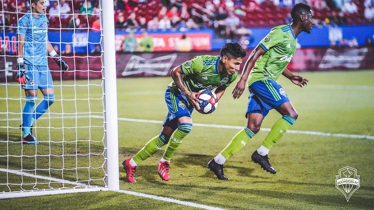 Raúl Ruidíaz marcó golazo para el Sounders FC