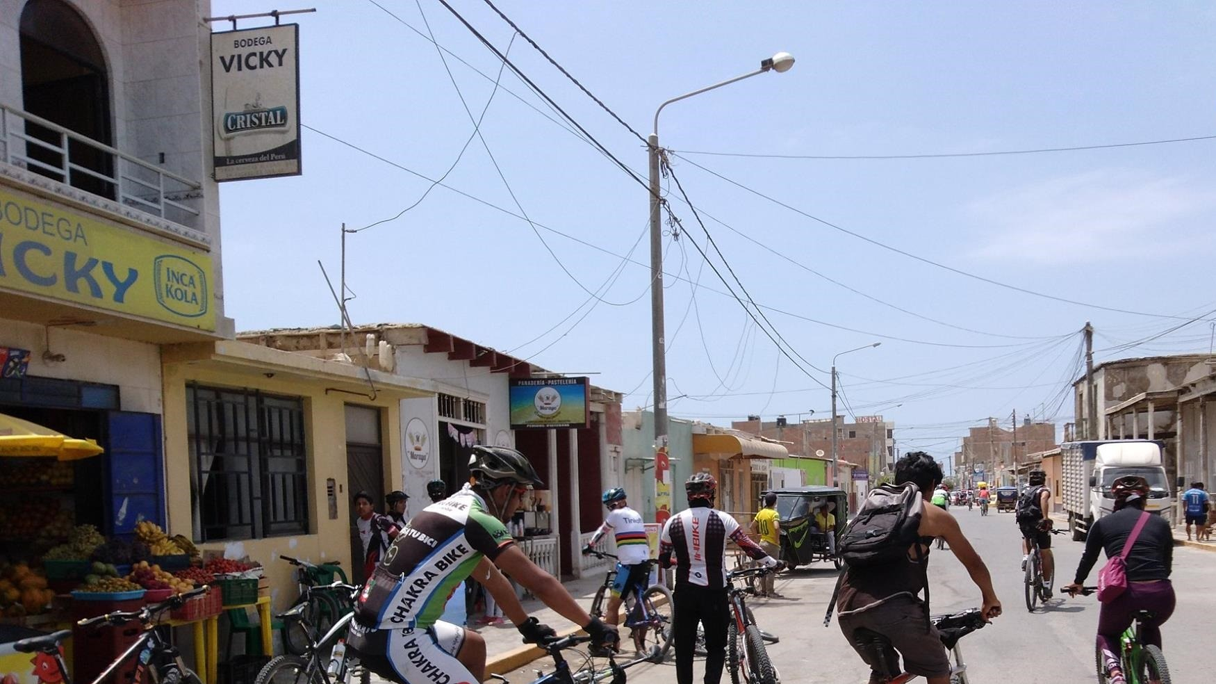 Escolares de la caleta San José acudieron en bicicleta a la escuela