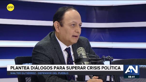 Walter Gutiérrez aclaró que el Ejecutivo puede presentar iniciativas de reforma constitucional, pero no imponer u observar estas reformas.