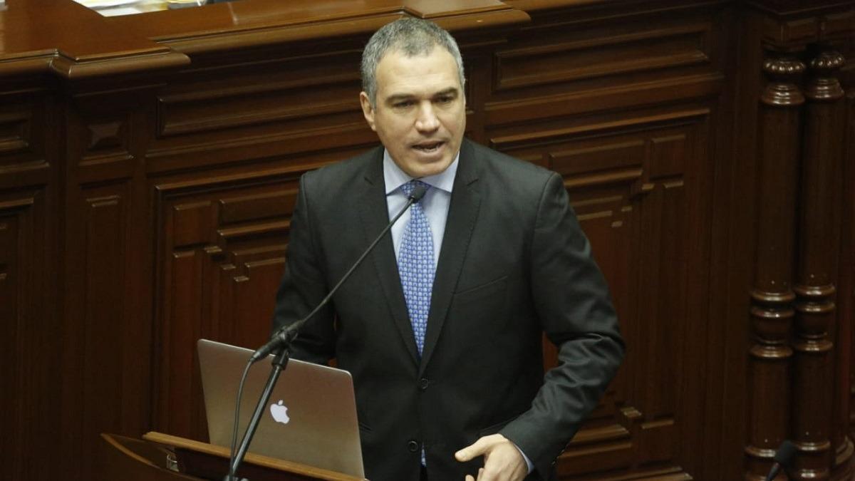 Salvador del Solar presentó la cuestión de confianza ante el Congreso.