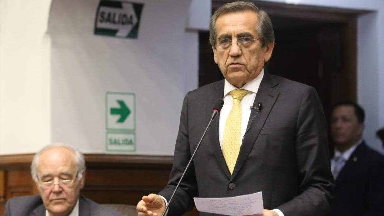 Jorge del Castillo durante su intervención en el pleno del Congreso de la República.