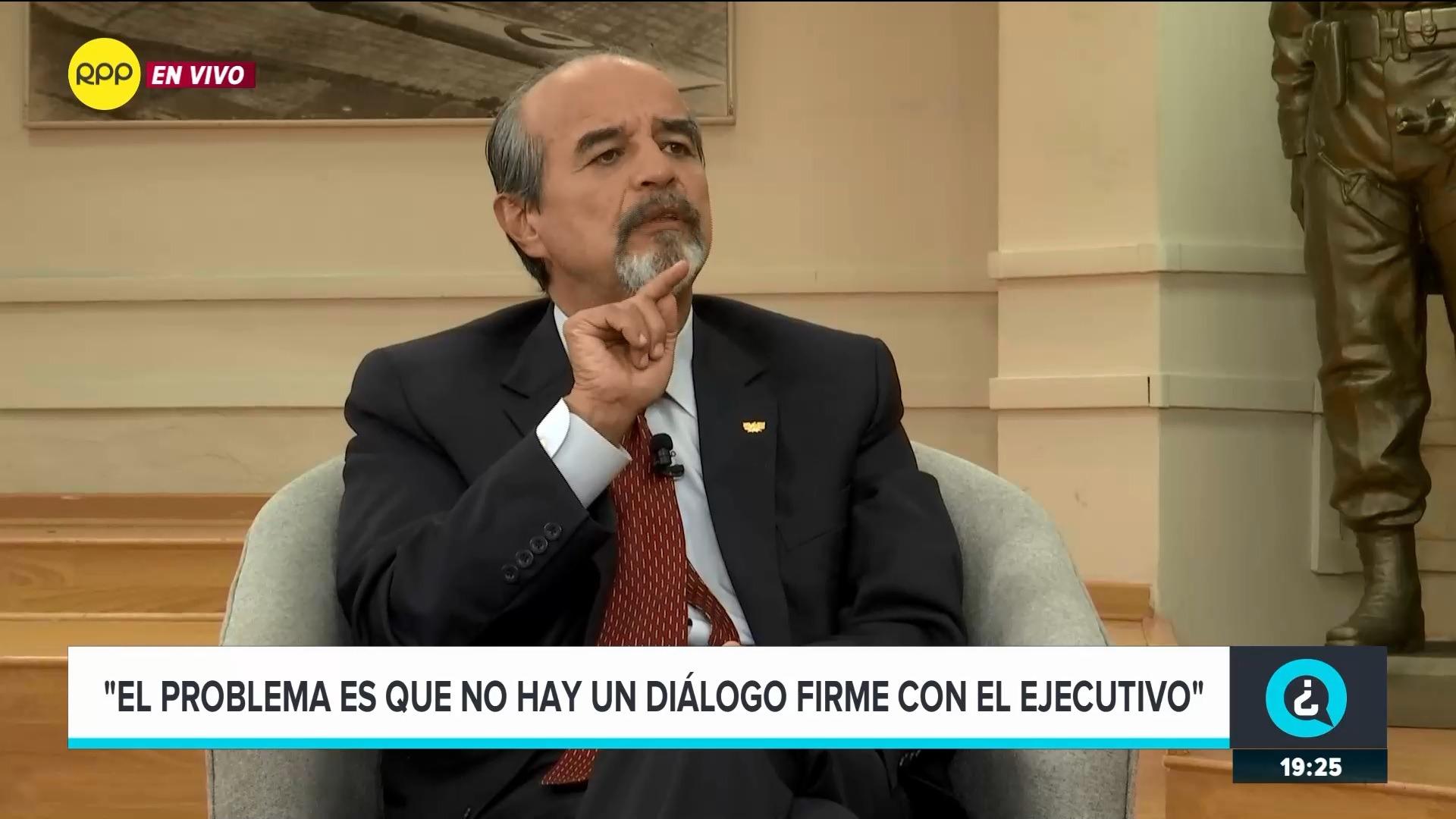 El parlamentario criticó al presidente Vizcarra por