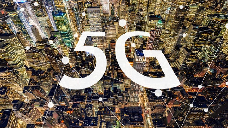 El 5G multiplicará la velocidad de las comunicaciones móviles hasta lograr picos de 1 a 10 Gbps, más de lo que ofrece actualmente la fibra óptica.