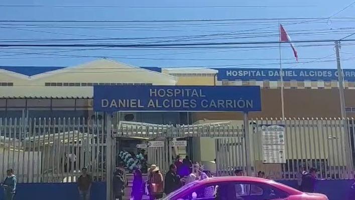 La directora del Hospital Daniel Alcides Carrión , Gabriela Vites, afirmó que se han implementado medidas de bioseguridad para el ingreso de los familiares al nosocomio.