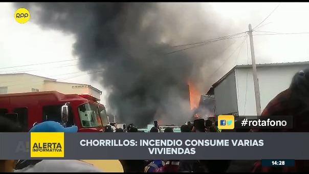 Incendio en casas de Las Delicias de Villa en Chorrillos.