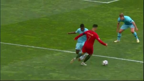 Cristiaono Ronaldo y su jugada ante Holanda.