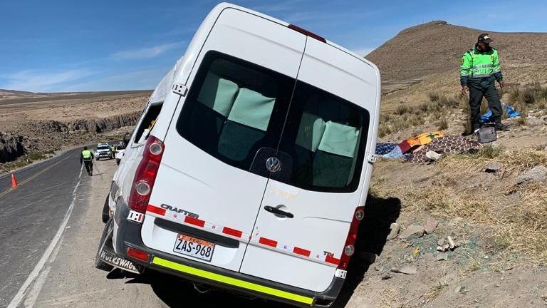Accidente de tránsito en la vía Arequipa - Puno dejó cuatro fallecidos.