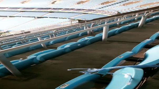 La bandera nacional en loa más alto del Estadio Arena de Gremio.