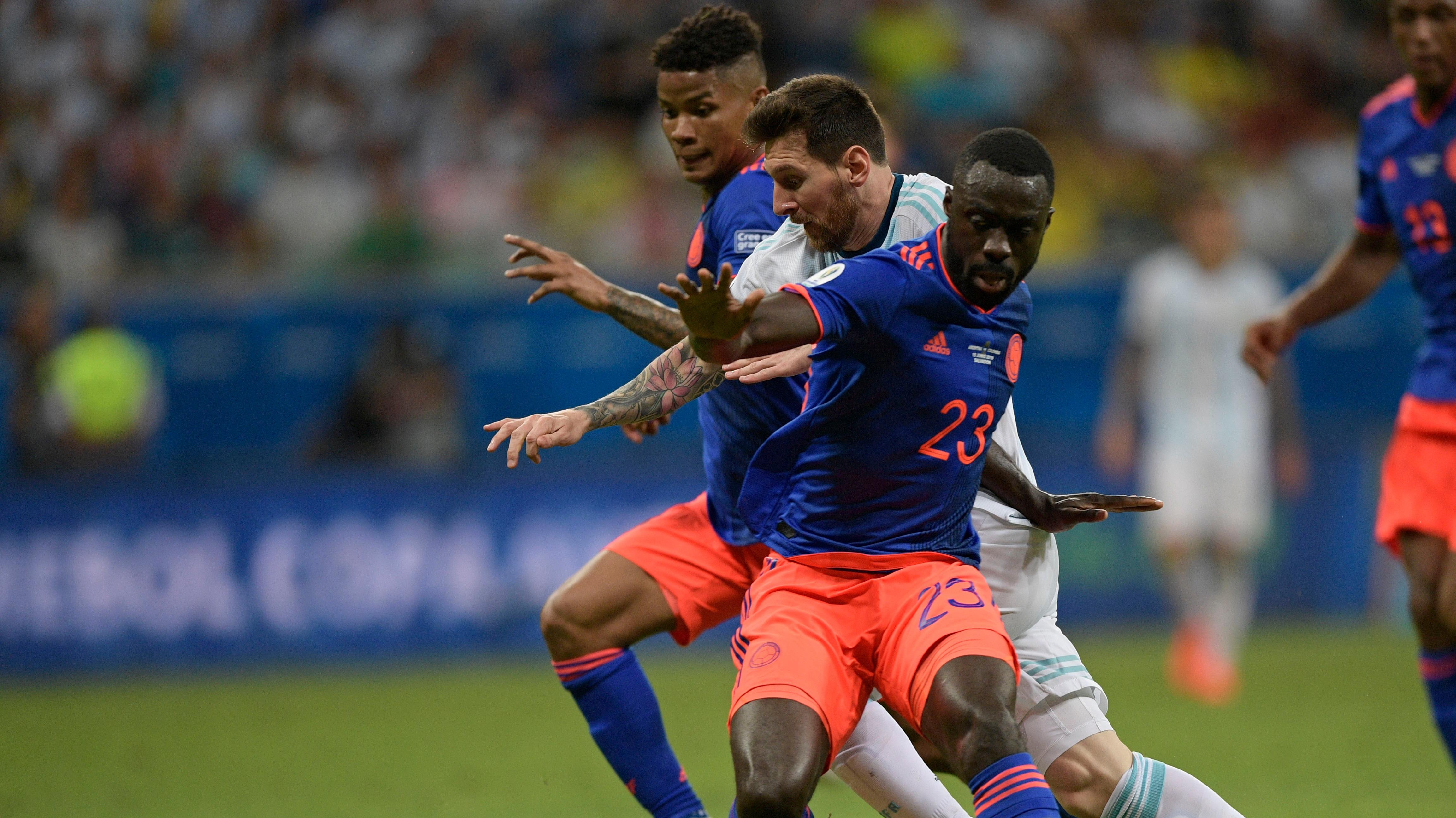 Esta fue la sensacional huacha de Lionel Messi a Davinson Sánchez.
