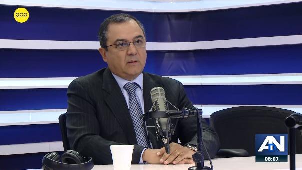 Carlos Oliva, ministro de Economía.