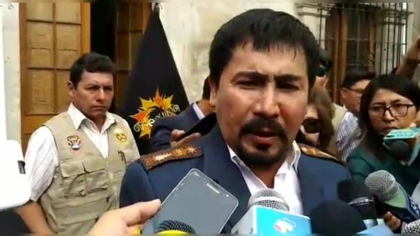 Gobernador regional de Arequipa, Elmer Cáceres Llica. en contra de Tía María.