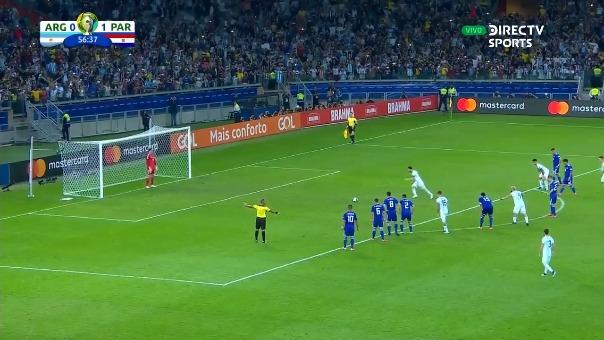 El gol de Argentina en los pies de Lionel Messi.