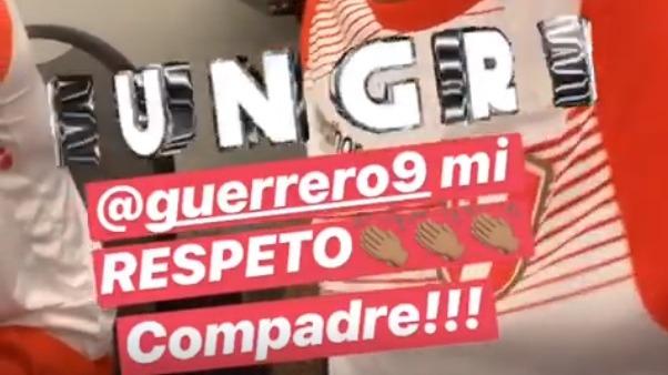Paolo Guerrero fue 'troleado' por Jefferson Farfán.