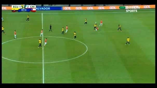 El jugador ecuatoriano fue expulsado a un minuto del final del encuentro.