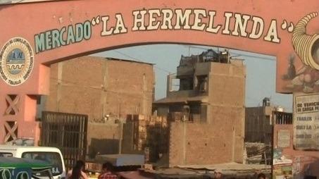 El dirigente del mercado La Hermelinda, José Reyes, pide resguardo policial en el mercado para la seguridad de comerciantes y usuarios.