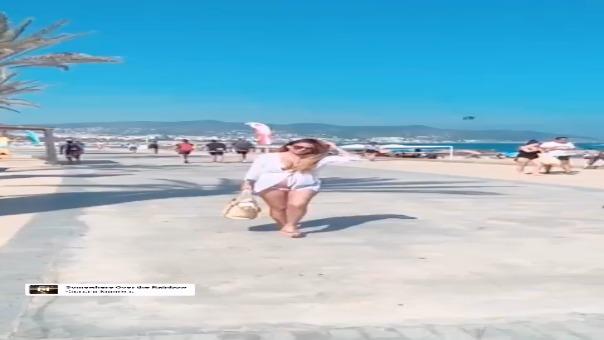 Delly Madrid comparte video donde presume su embarazo en la playa.