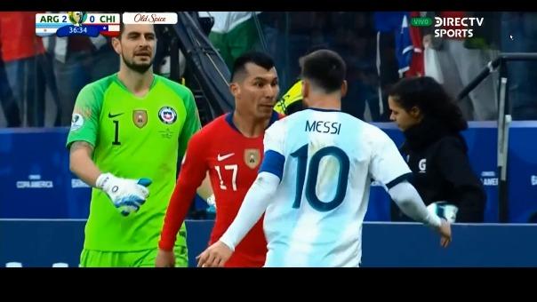 Así fue el cruce que protagonizaron Gary Medel y Lionel Messi en la Copa América 2019.