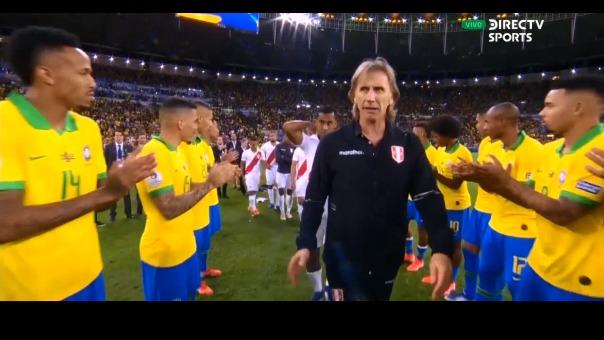 Los jugadores peruanos al término del partido.