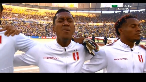 Los jugadores de la Selección Peruana cantaron así el Himno Nacional.
