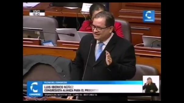 Luis Iberico se sintió aludido por los ataque de Jorge Castro, quien criticó la elección de embajadores del Perú.