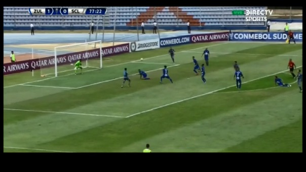 Esta fue la ocasión de gol que Cristian Palacios falló en el segundo tiempo.