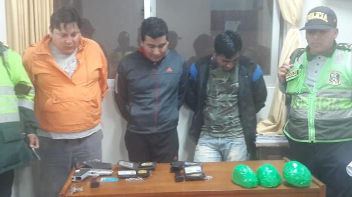 Los tres hombres fueron trasladados al Complejo Policial de San Andrés de Trujillo.