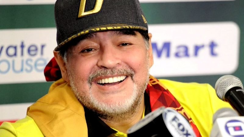 Diego Maradona tiene todavía pendiente una cirugía en el hombro.