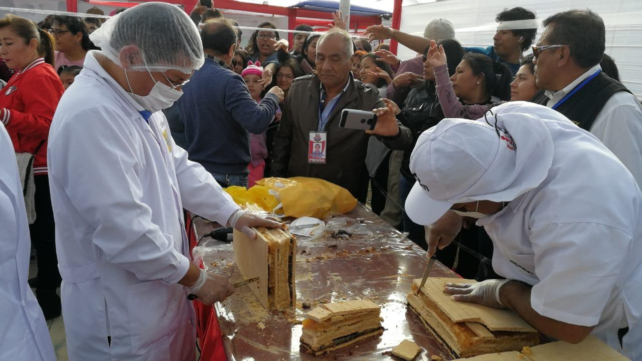 Miles de asistentes pudieron degustar el delicioso postre.
