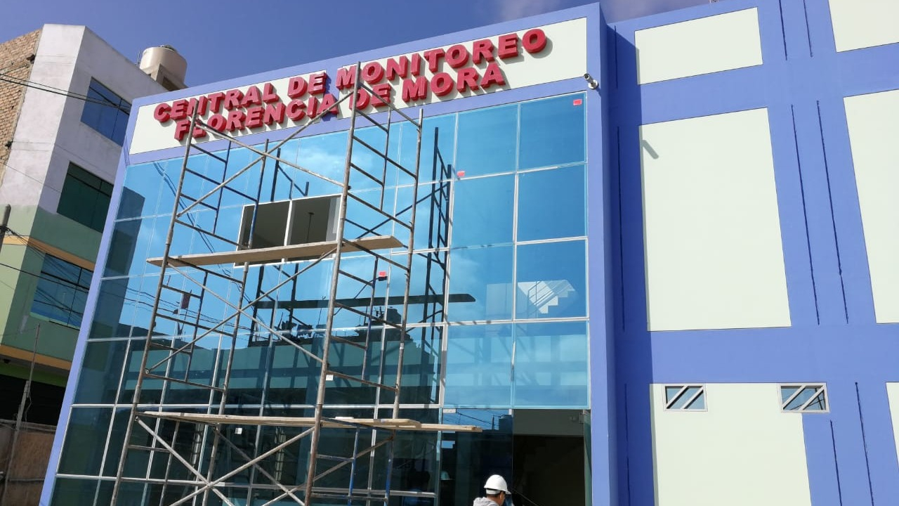 A pesar que la central está casi lista, no cuenta con trabajadores para operarla, afirma el alcalde Hermes Cabeza.