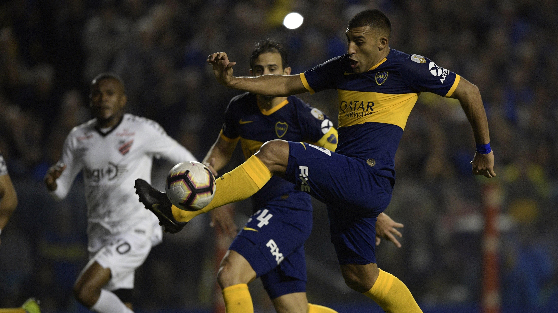 El delantero de Boca Juniors abrió el marcador.