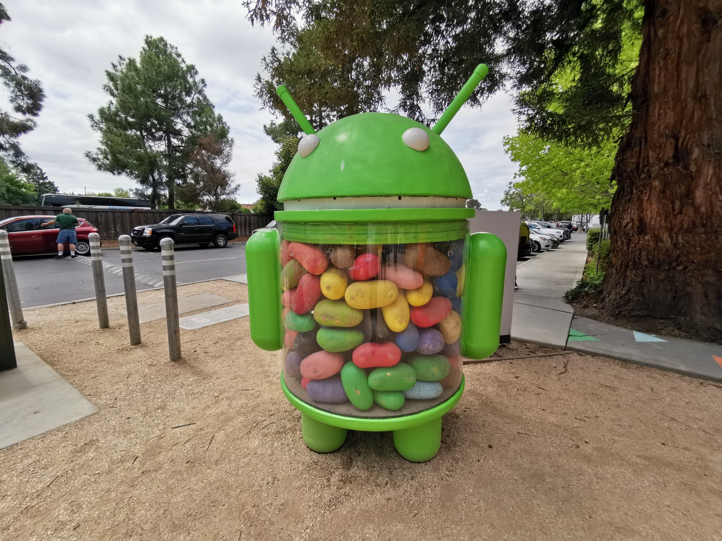 La estatua de Android Jelly Bean 4.1 en el campus de Google en Mountain View