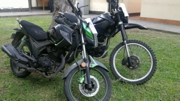 Esta son las motos en las que se movilizaban los delincuentes y que utilizaban para sus delitos.