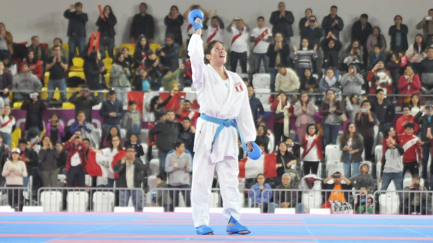 La deportista peruana se llevó la medalla de oro y lo celebró de esta manera.