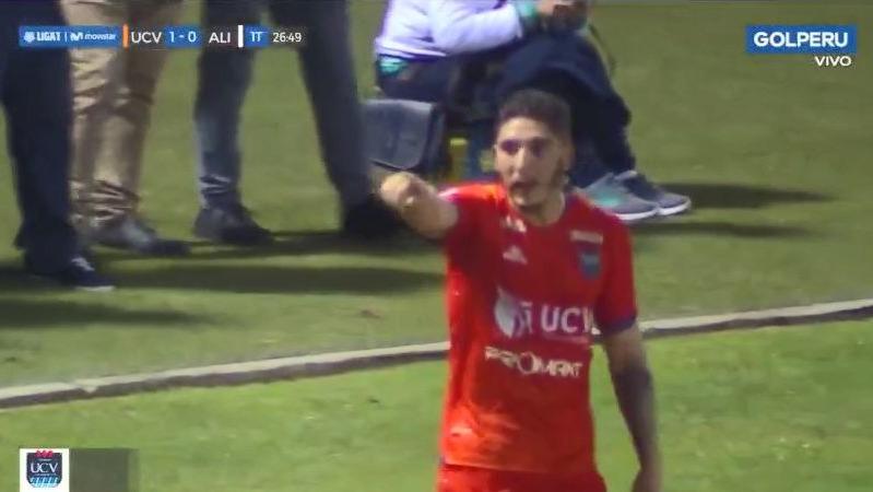 Santiago Silva marcó tres goles en la victoria de César Vallejo ante Alianza Lima