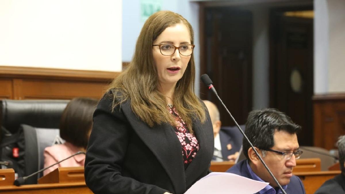 Rosa Bartra se mantiene al frente de la Comisión de Constitución.