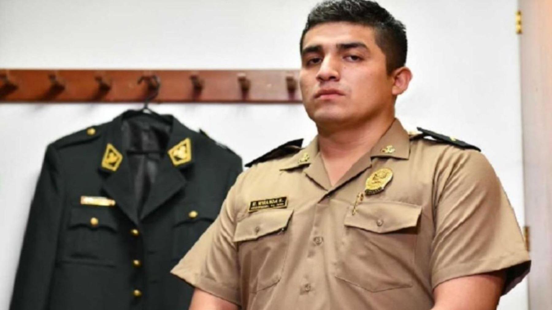 Juan José Santibáñez, abogado del suboficial Elvis Miranda Rojas.