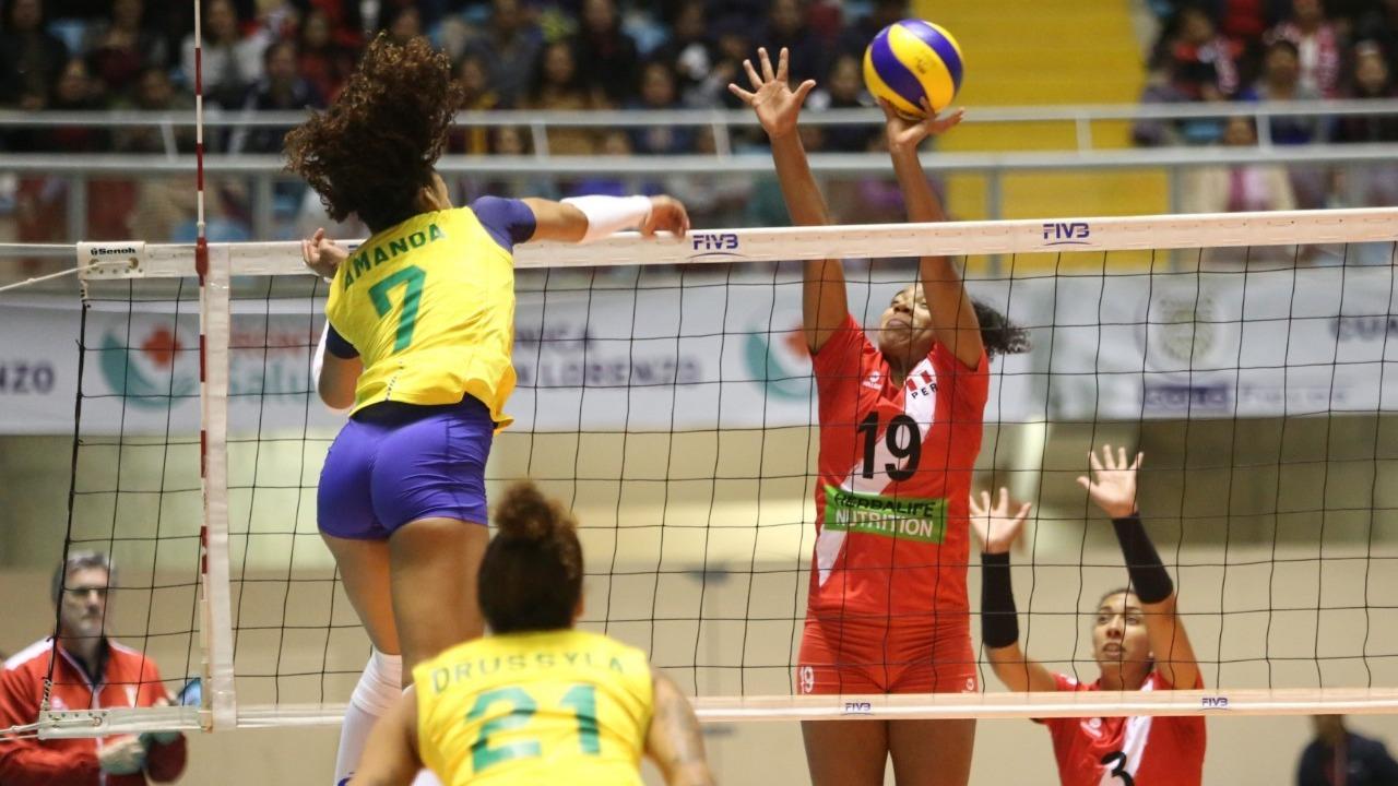 Perú cayó 3-0 ante Brasil