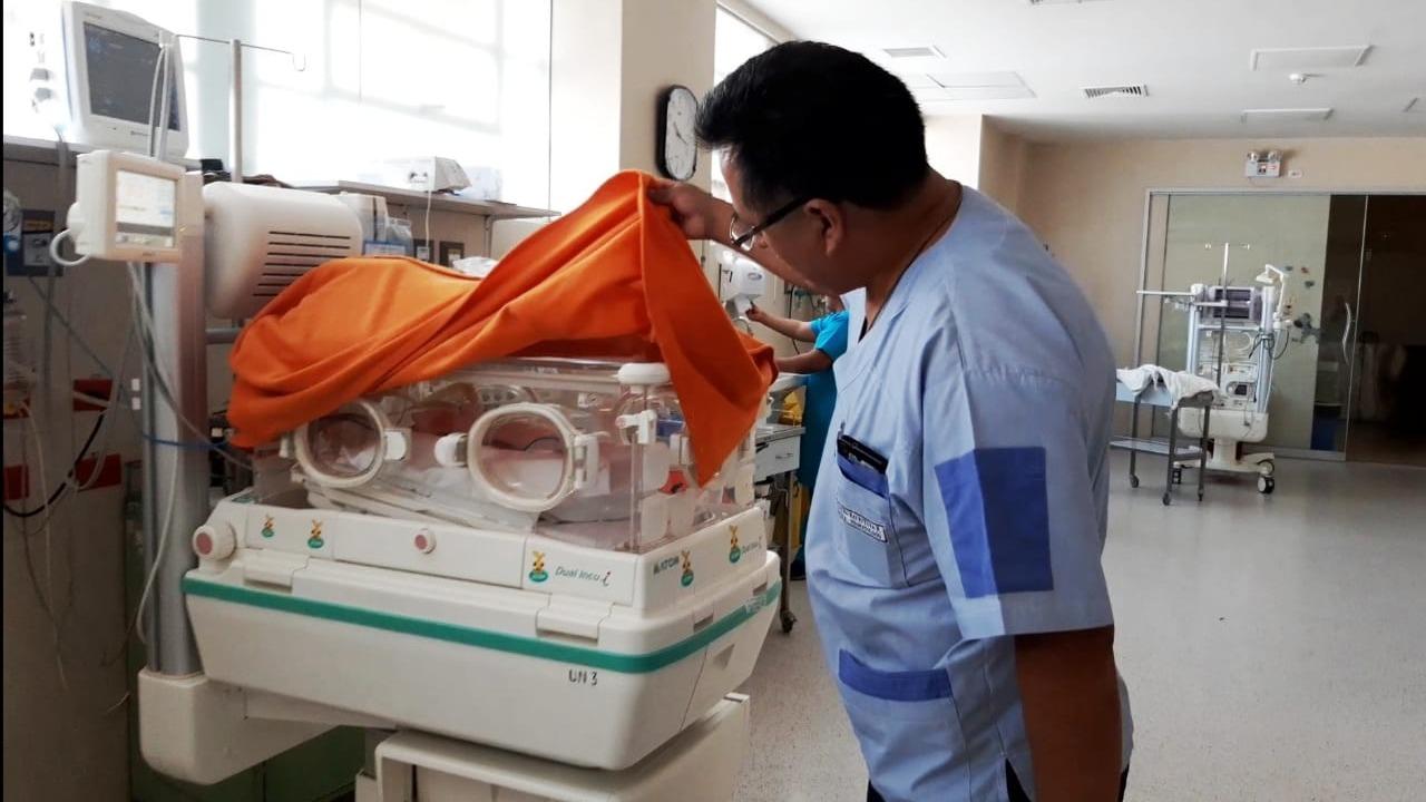 Mauro Sayritupa, jefe de neonatología del hospital Honorio Delgado, reconoció crisis que provoca muerte de bebés prematuros,